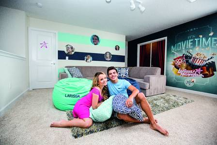 Atriz Larissa Manoela mostra sua mansão nos EUA   Entretenimento ... c116ed82ee