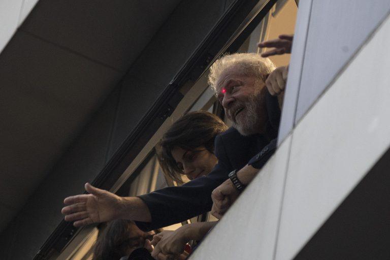 Lula se entregou à PF no prédio do Sindicato dos Metalúrgicos em São Bernardo do Campo