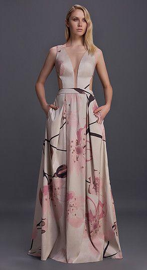 6651d5697 Estilista dá dicas de vestido estampado para madrinhas ...