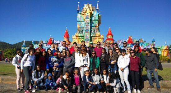 Flordelis com seus 55 filhos