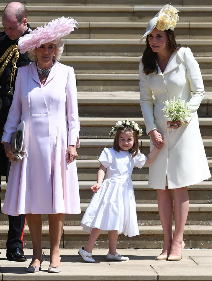 Membros da família real não podem tirar o casaco em público