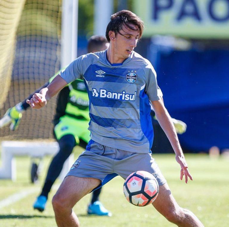 Zagueiro Geromel, do Grêmio