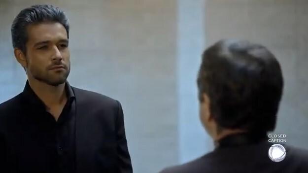 Ricardo fala com Stéfano que vai atacar