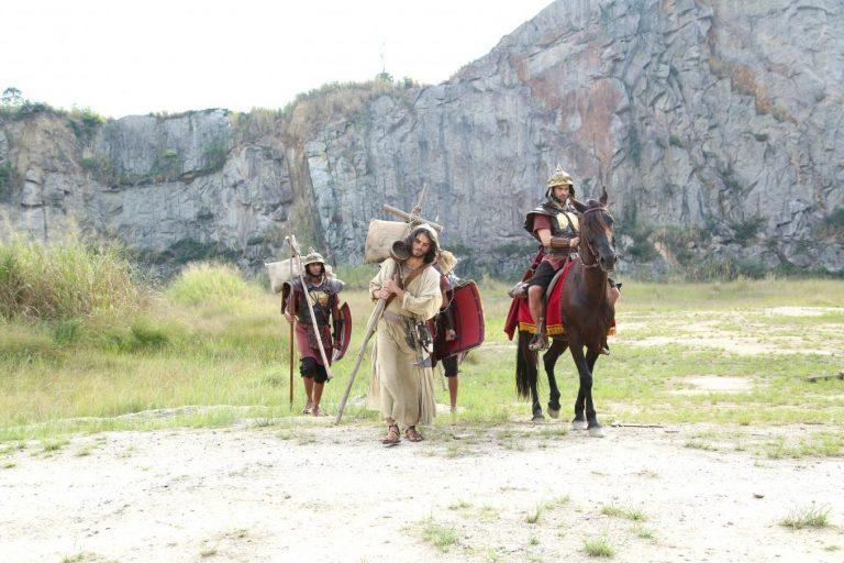 Soldados romanos humilham os judeus