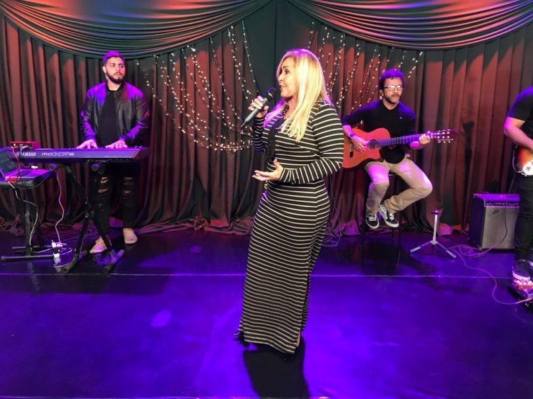 Shirley Carvalhaes grava live sessions de novo EP