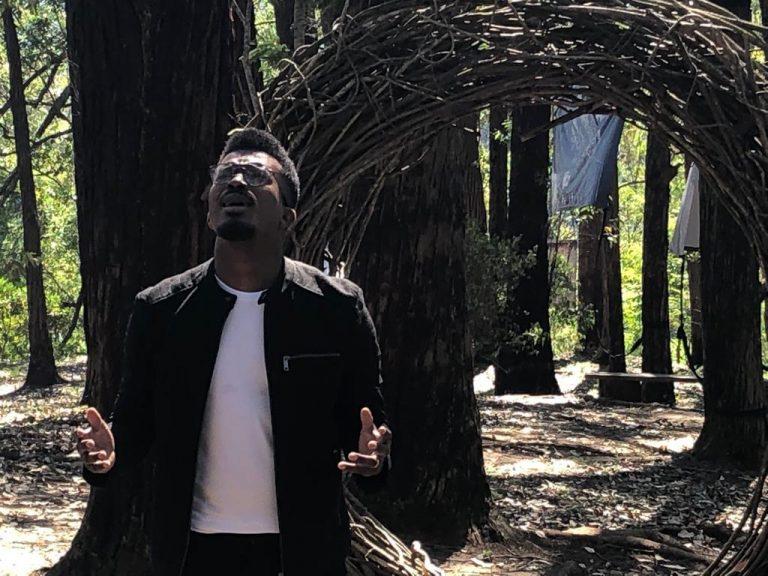 Delino Marçal lança segundo clipe do CD Guarda Meu Coração