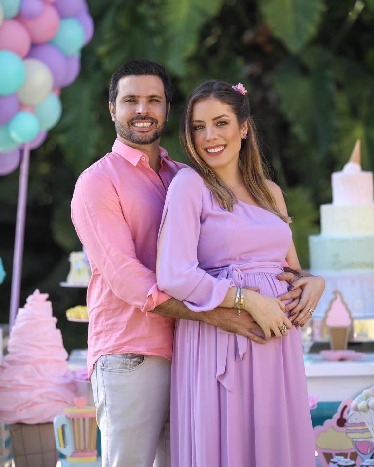 Fabi deu a luz a Sienna e Chiara