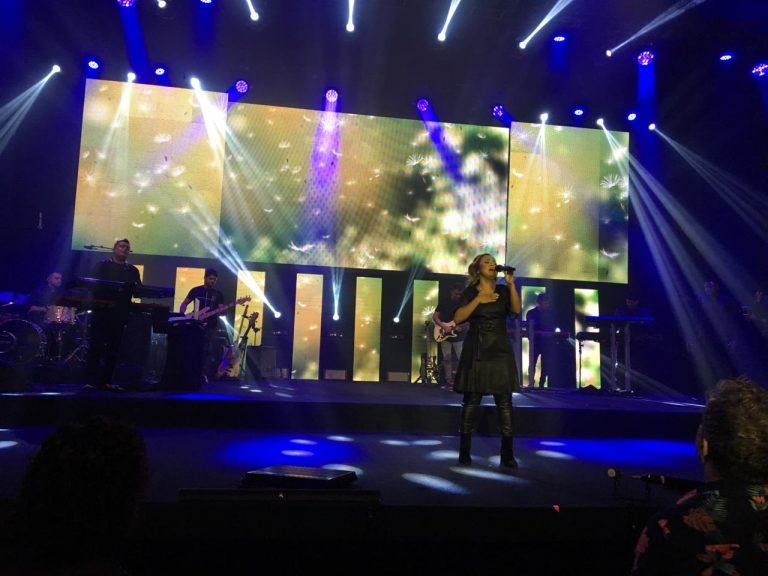 Gravação do EP de Bruna Karla aconteceu na CEIZS, com participações de Fernandinho e Paula, além de Gabriela Rocha
