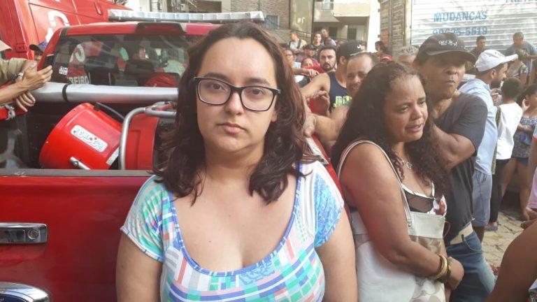 Natasha Branquinho, cujo marido encontrou um homem abraçado ao corpo do filho sob os escombros