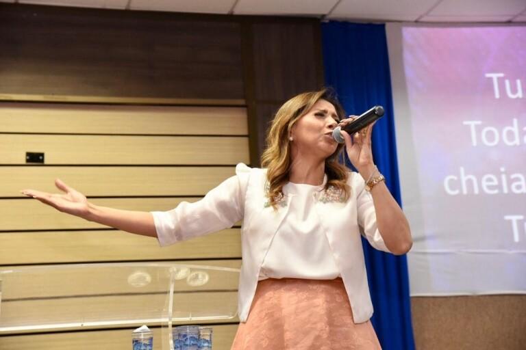 Culto da 93FM teve Jozyanne, Marine Friesen e Nova Jerusalém