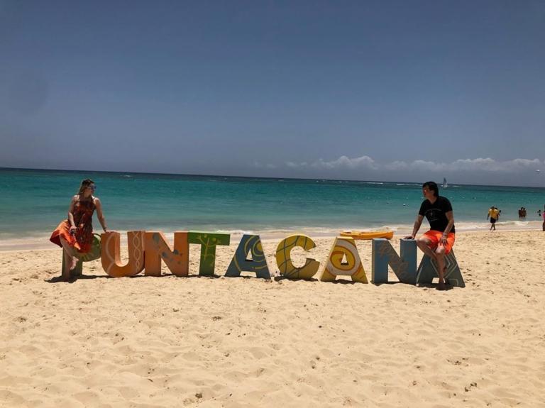 Elaine de Jesus curte férias em Punta Cana