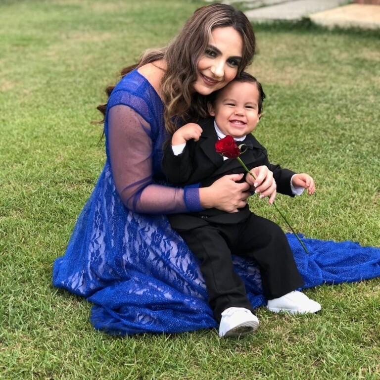 Mylena, da dupla com Gislaine, e o filho