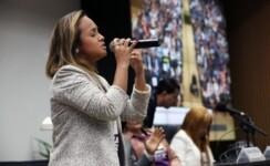 Cantora Bruna Karla Cruzada da Adoção reuniu parlamentares e autoridades para debater a adoção