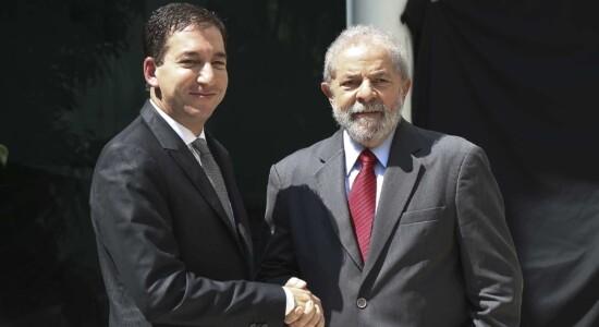Jornalista Glenn Greenwald e o ex-presidente Lula