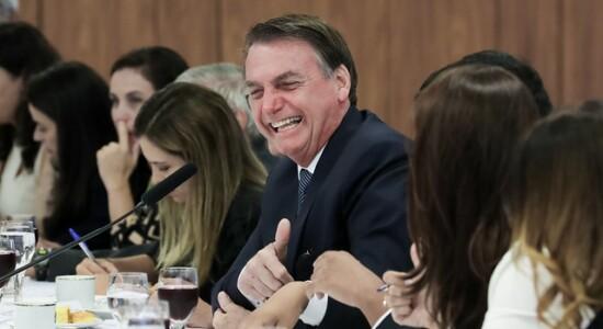 Bolsonaro participa de café da manhã com jornalistas