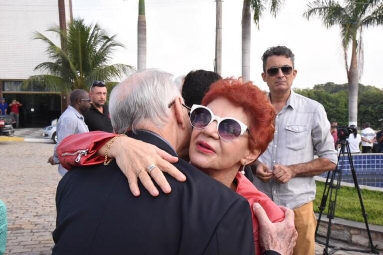 A ex-prefeita de São Gonçalo, Aparecida Panisset, relembrou a ajuda do pastor Anderson e sua esposa