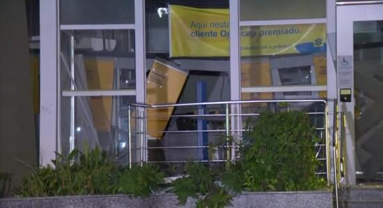 Agência bancária foi alvo de criminosos
