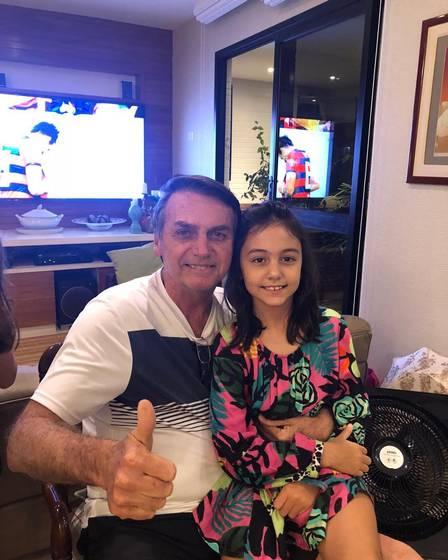 Bolsonaro e a filha Laura