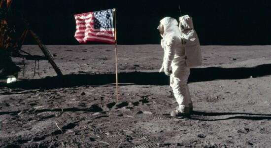 Homem chega à Lua