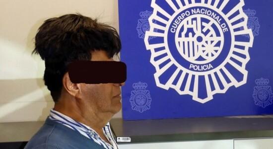 Colombiano escondeu droga embaixo da peruca