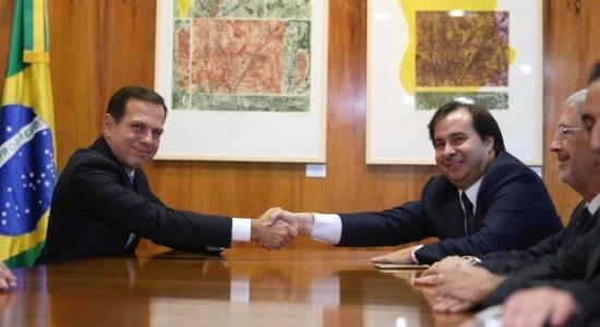 Governador de São Paulo, João Doria, e o presidente da Câmara, Rodrigo Maia
