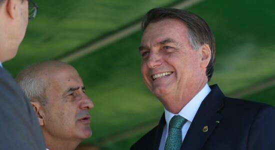 Bolsonaro participou de cerimônia na Academia Militar das Agulhas Negras
