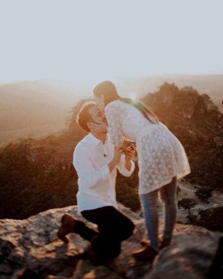 Marcela Tais e Samuel Antunes ficaram noivos