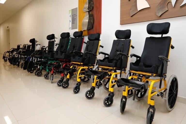 Michelle Bolsonaro participou de entrega de cadeiras de rodas