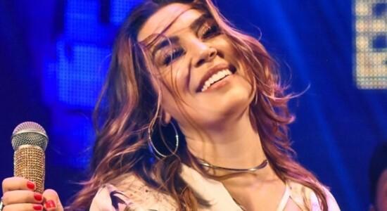 Cantora Naiara Azevedo