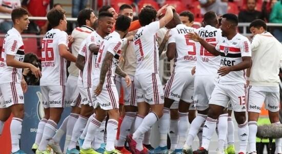 São Paulo venceu o Atlético por 2 a 0
