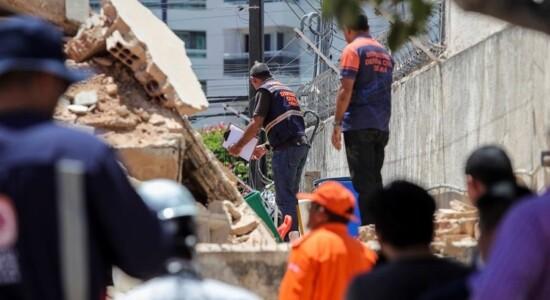 Prédio desabou em área nobre de Fortaleza
