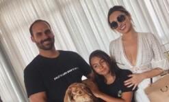 Filha de Bolsonaro faz aniversário e ganha festa