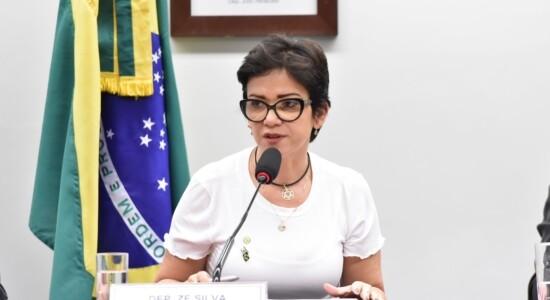 Deputada Alê Silva deixa o PSL
