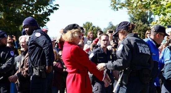 Jane Fonda foi presa novamente