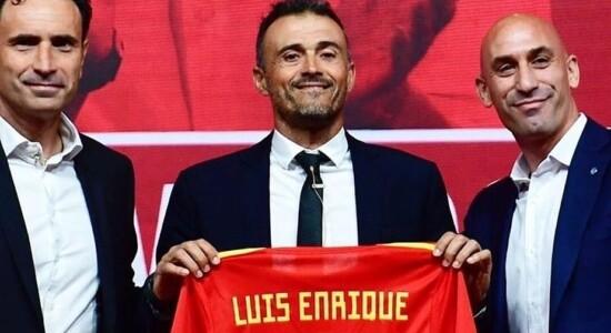 Luis Enrique volta a treinar a Espanha