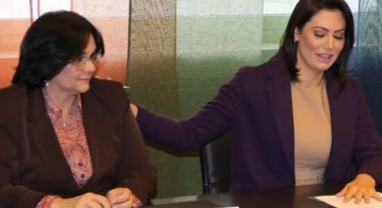 Michelle e Damares estão na Itália para compromissos representando o Brasil