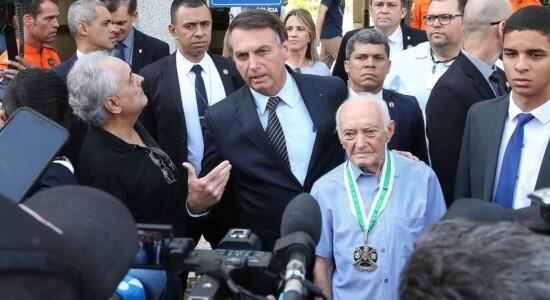 O presidente Jair Bolsonaro visita Carlos Santiago Amorim