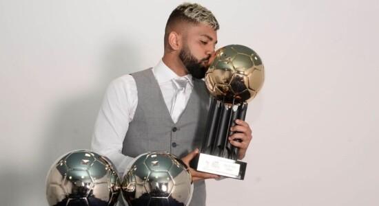 Gabriel Barbosa recebeu a Bola de Ouro