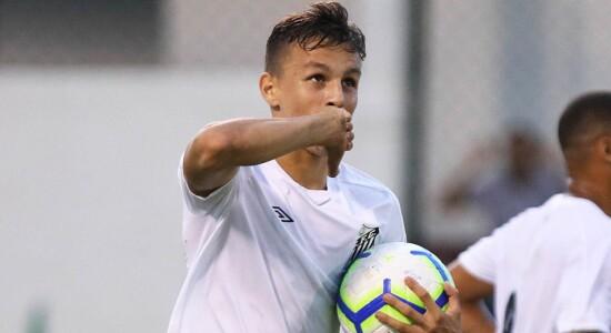 Santos renova contrato de Matheus Moraes