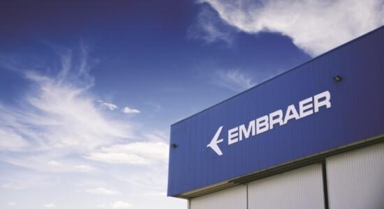 Embraer teve parte de sua aviação comercial comprada pela Boeing
