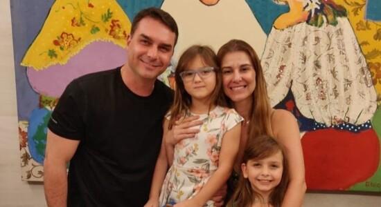 Flávio Bolsonaro e sua família